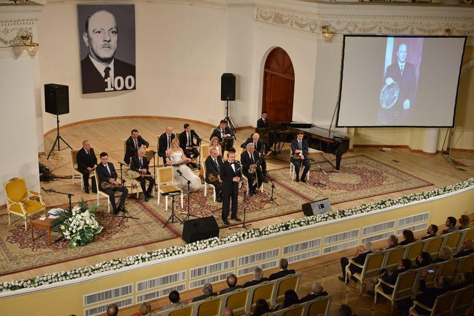 Hacıbaba Hüseynovun 100 illik yubileyinə həsr edilən xatirə gecəsi