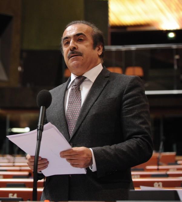 Deputat Rafael Hüseynov avropalı həmkarlarını qaçqınların və məcburi köçkünlərin dərdini anlamağa çağırıb