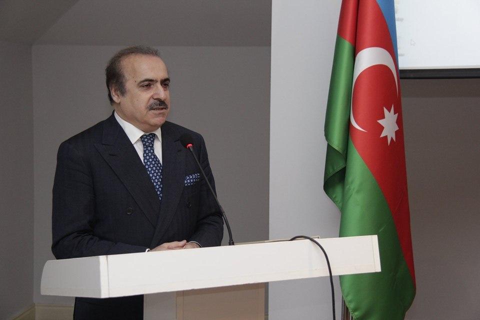 """Rafael Hüseynov: """"Elə insan var ki, yaşca cavandır, amma təfəkkürcə qocadır…"""""""