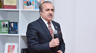 """Akademik Rafael Hüseynov: """"Dilçilik sahəsində yüksəkixtisaslı kadrların yetişdirilməsi zəruridir"""""""