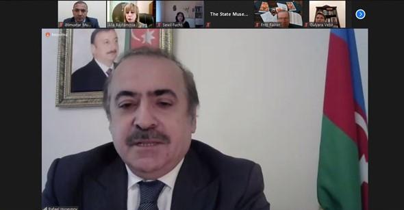 """Akademik Rafael Hüseynov """"Nizami və musiqi"""" beynəlxalq konfransında çıxış edib"""
